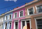 řada domů ve čtvrti notting hill