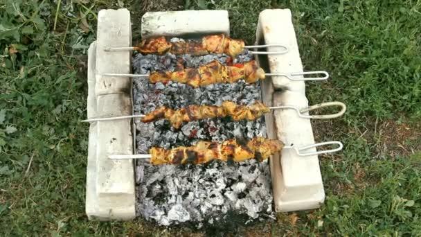 hovězí kababs na grilu