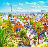 slavný letní park guell nad jasně modré obloze v Barceloně