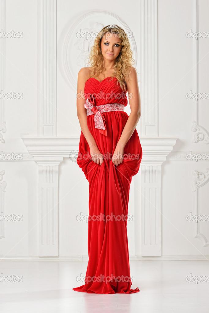 Rode Lange Jurk.Mooie Vrouw In Rode Lange Jurk Stockfoto C Pilgrim 21707789