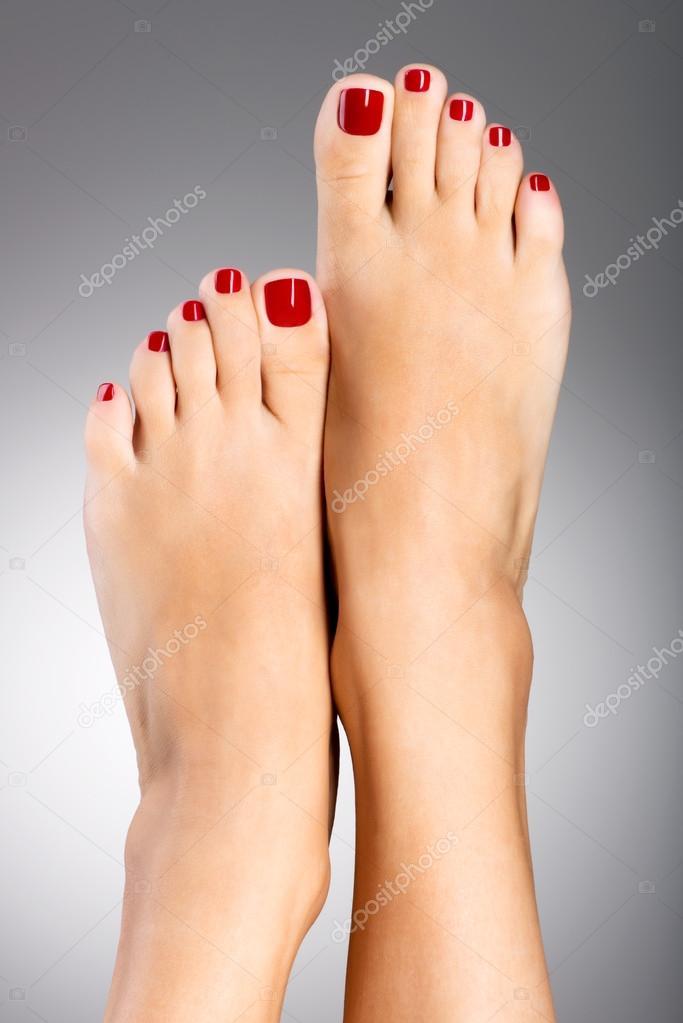 Женские ноги педикюр фото