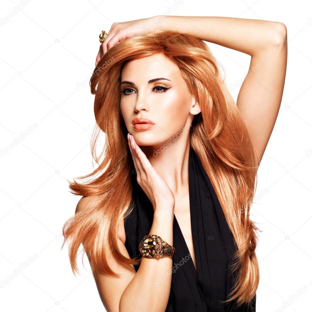 sch ne frau mit lange gerade rote haare in einem schwarzen kleid stockfoto 42510651. Black Bedroom Furniture Sets. Home Design Ideas