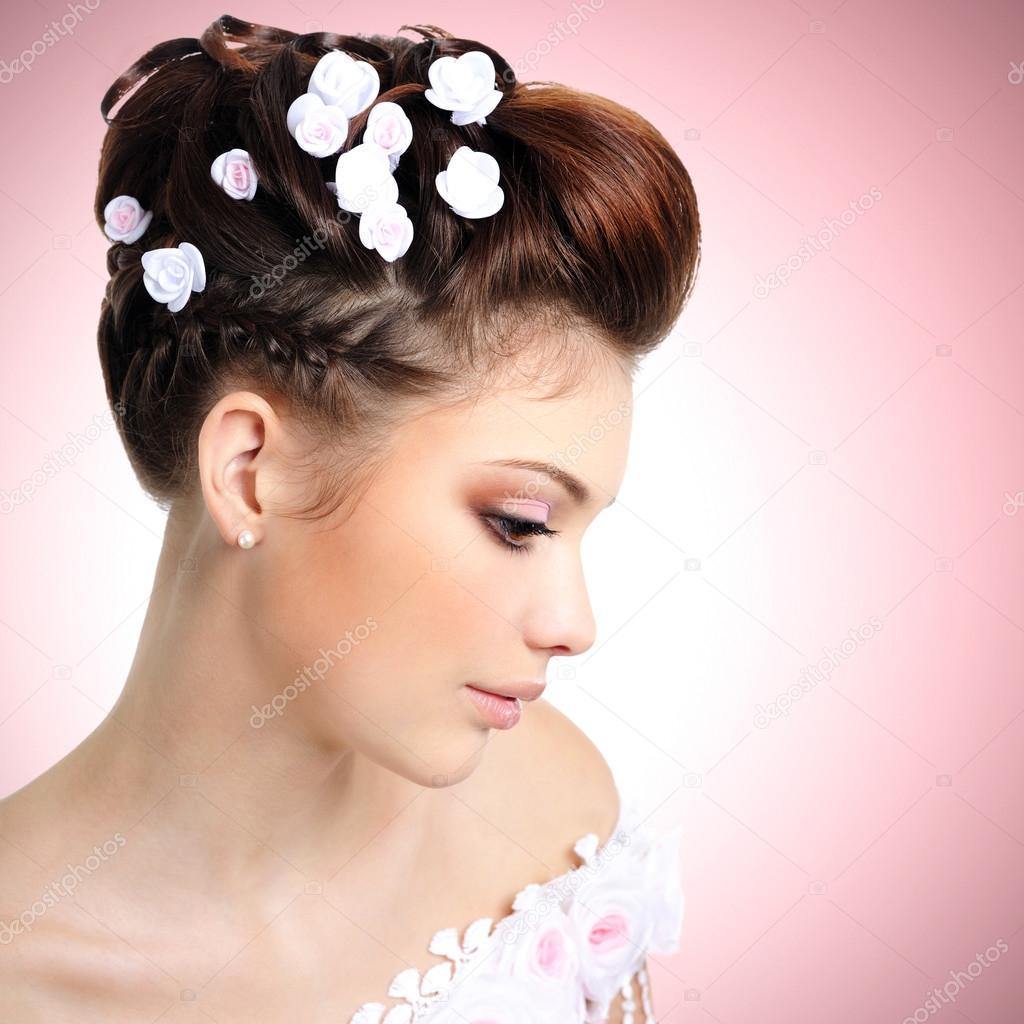 c8ffa5e61aa93d наречена з краси макіяж і зачіску — Стокове фото — білий ...