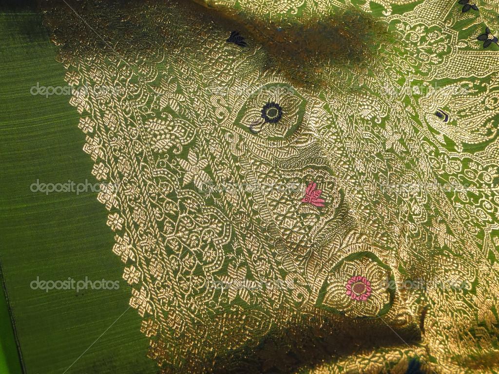 Gyönyörű selyem brokát szövet — Stock Fotó © cascoly  13182429 d6a72c384c