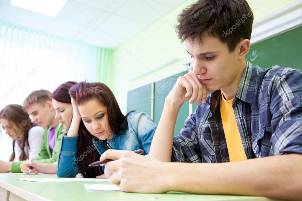 подростки в школе картинки