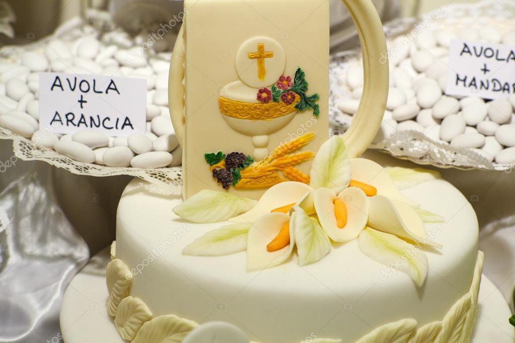 Popolare prima torta comunione — Foto Stock © bepsimage #21527061 UN86