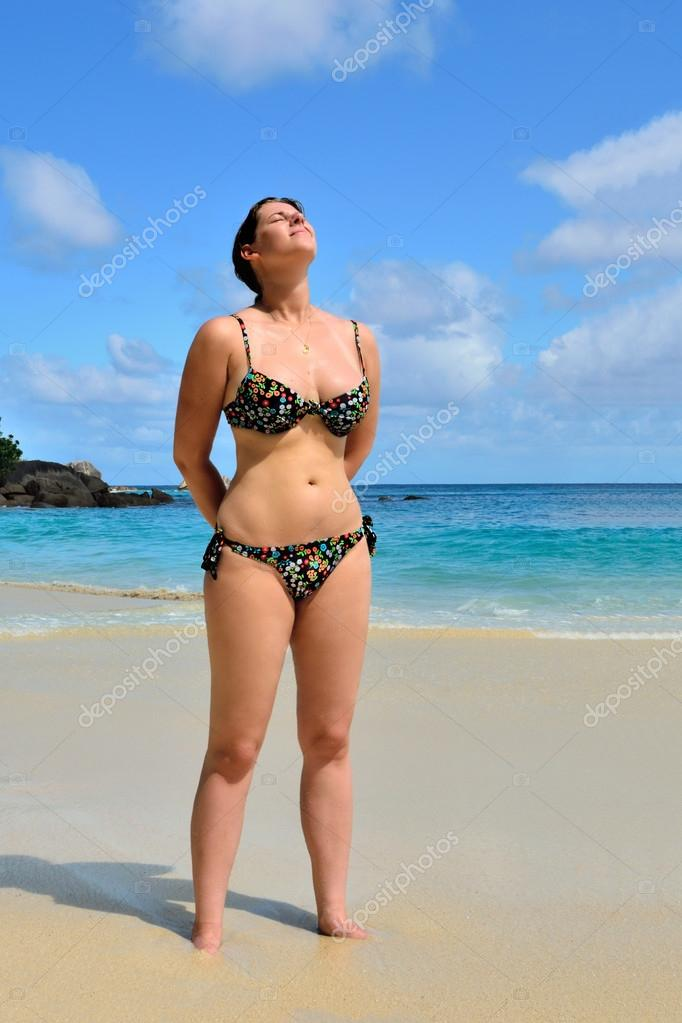 Пляж девушку фото, парень попал при жизни в рай с двумя грудастыми шмарами