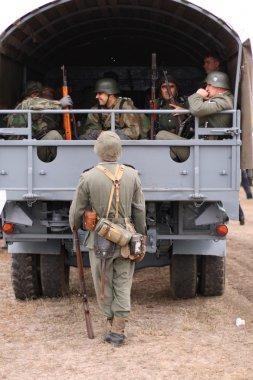Arabada Alman askerleri