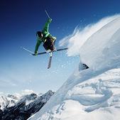 skákání lyžař