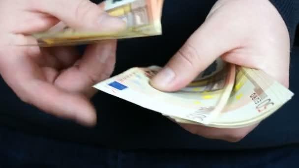 Counting 50 Euro banknotes