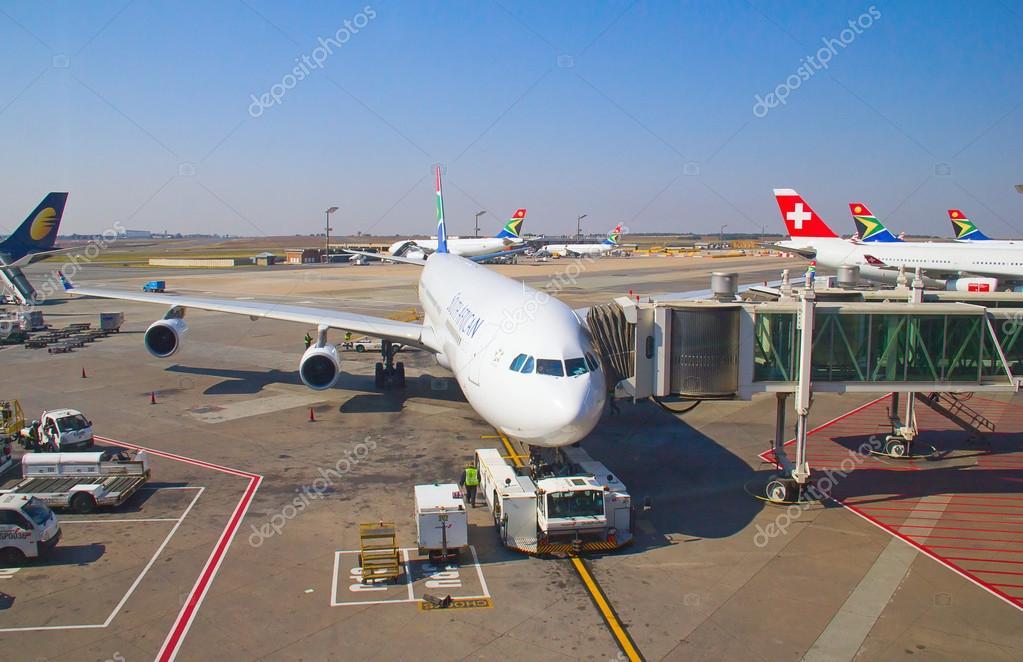 Aeroporto Johannesburg : Aeroporto di tambo johannesburg — foto editoriale stock