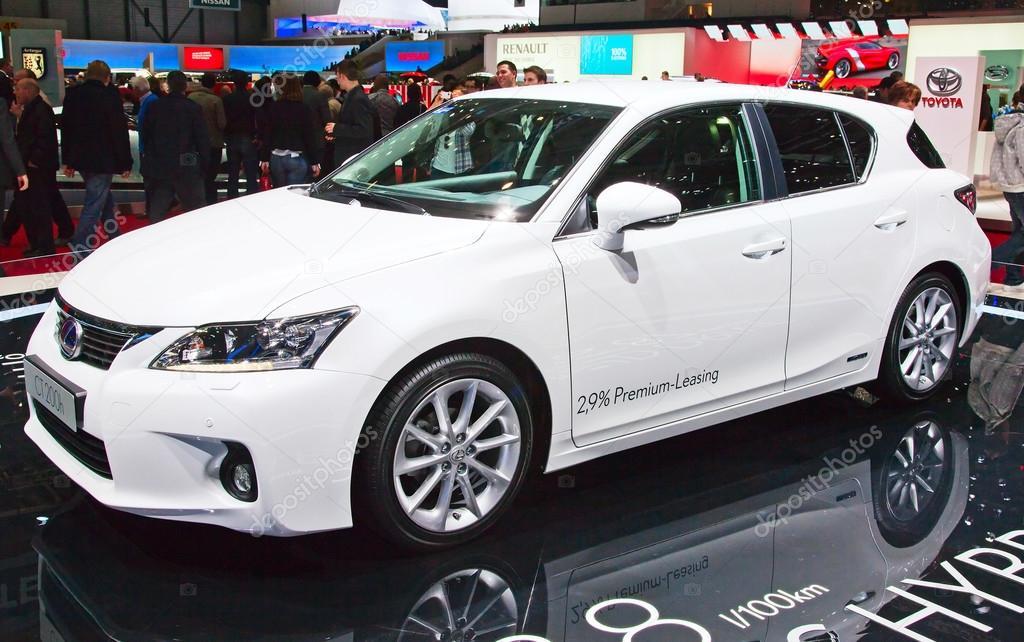 De Lexus Toyota Hybride Auto Redactionele Stockfoto C Swisshippo