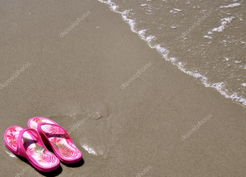 nella sabbia - infradito 18 — Foto Stock © refocusphoto  27936299 fb01eb5e4cd