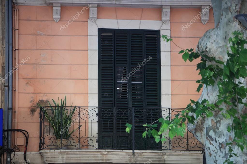 Balcon En Bois De Porte Et Fer Forge Photographie Farina6000