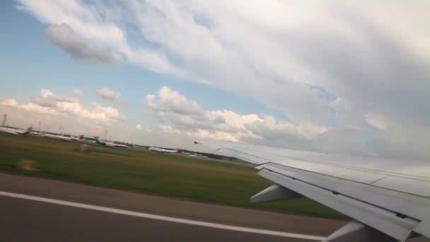 Passagierflugzeug startet