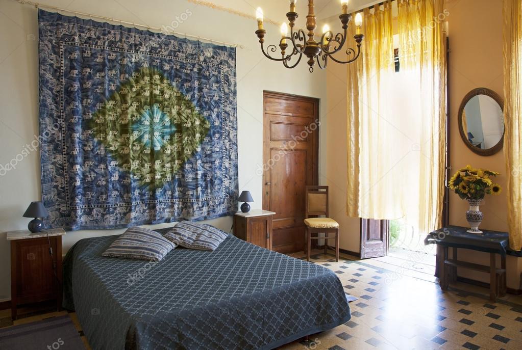 Schlafzimmer im Toskana-Stil, Lucca. Italien — Stockfoto ...