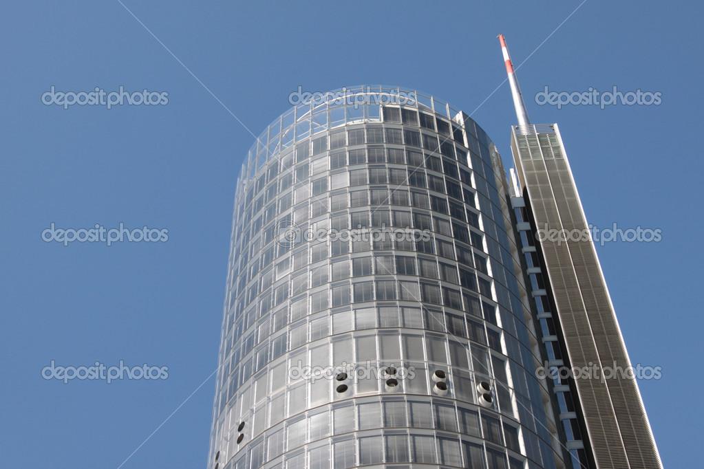Tour de bureaux avec antenne u photographie jenkins