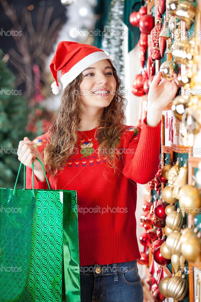 Frau Christbaumschmuck Im Store Kaufen Stockfoto C Simplefoto