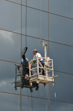 Window cleaner glass facade