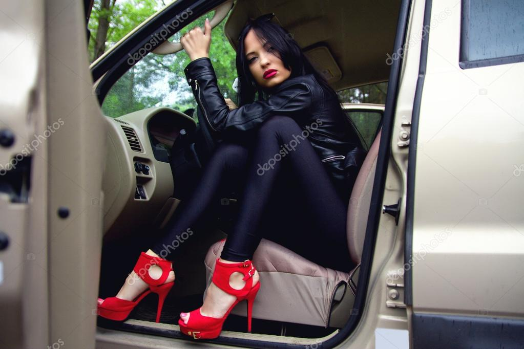 Сексуальные девушки за рулем