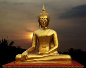 Zlatá socha Buddhy