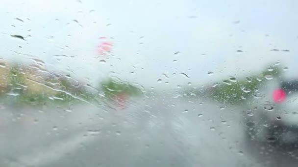 jízdu v dešti