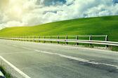 Asfaltová silnice v Toskánsku Itálie