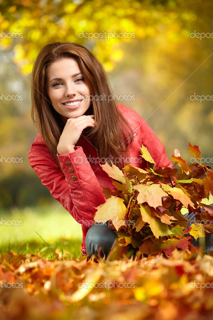 teens-in-leaf-girl-tinker-bell