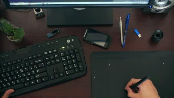 detail rukou pracovat na počítači