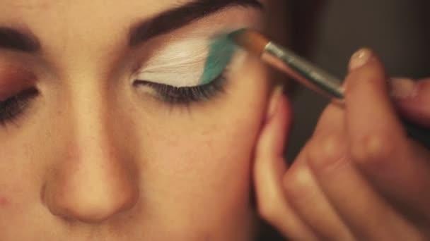 světlé oční make-up