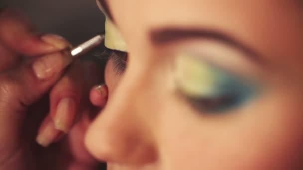 Bright eye make-up