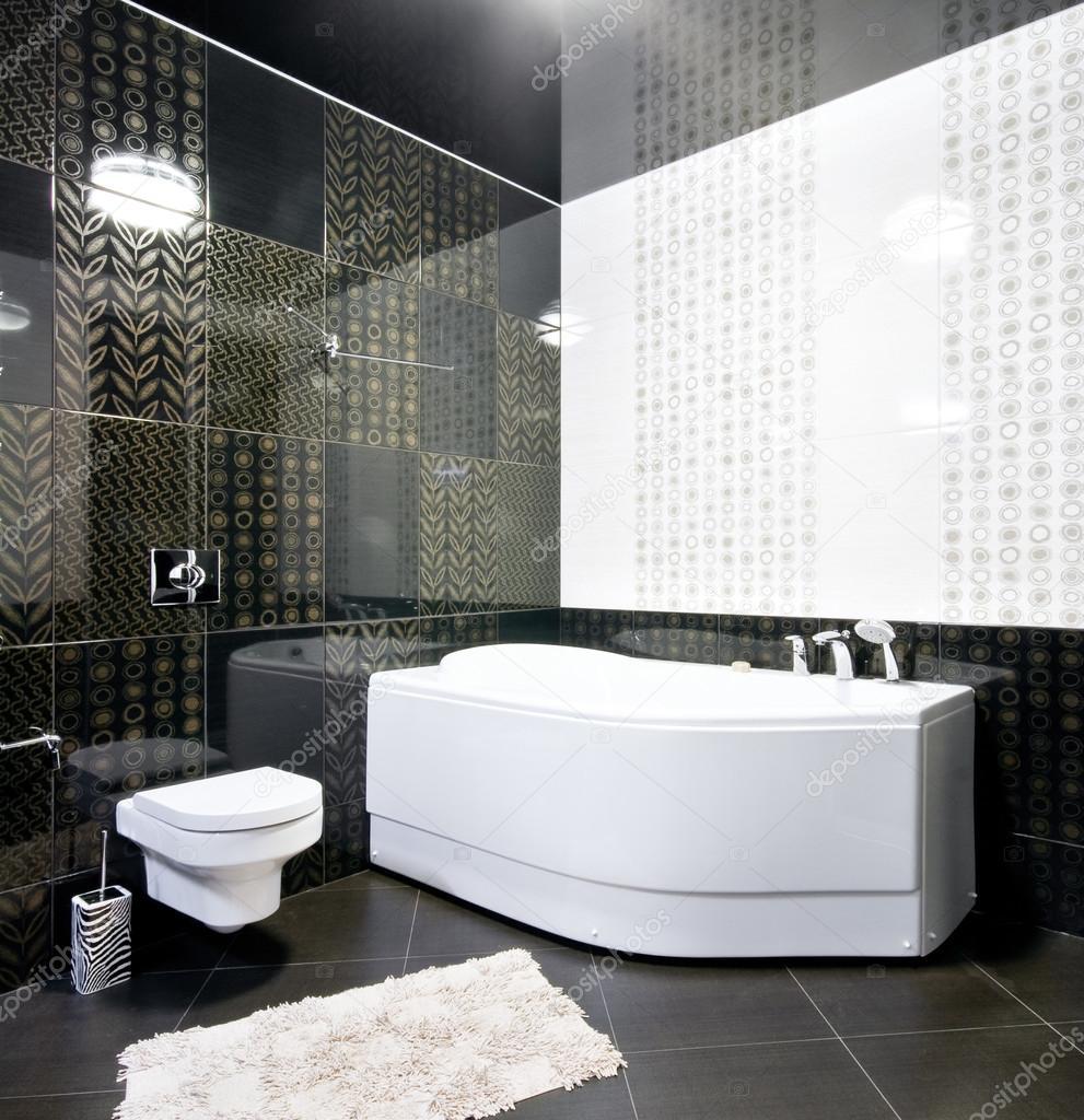 nuevo interior del cuarto de baño blanco y negro — Foto de stock ...