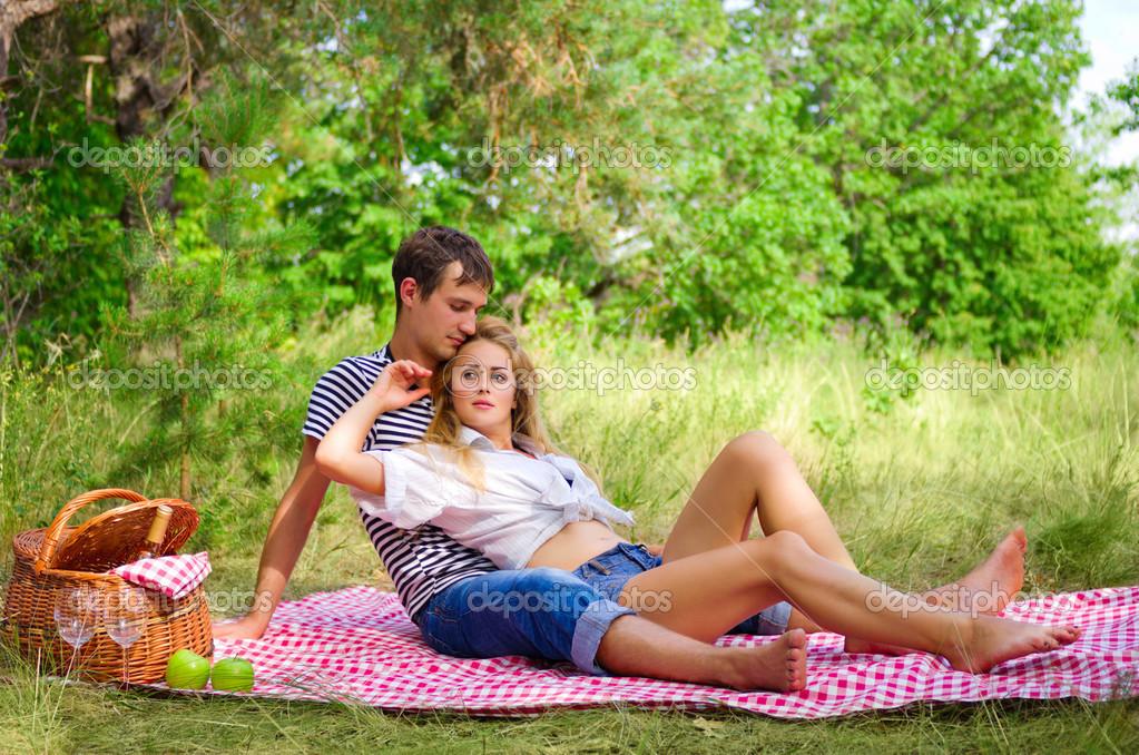 фото фото своих жен на пикнике давно уже