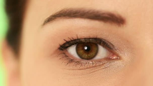 ženské oko. closeup.