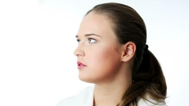 Gyönyörű fiatal nő.