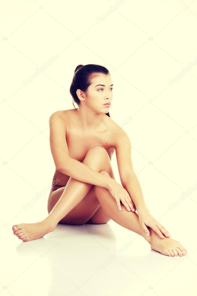 Women sitting legs together naked — photo 13