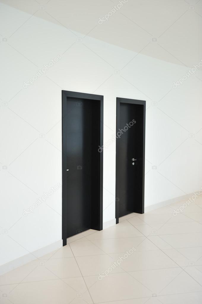 porte pareti e pavimenti — Foto Stock © zurijeta #21350419