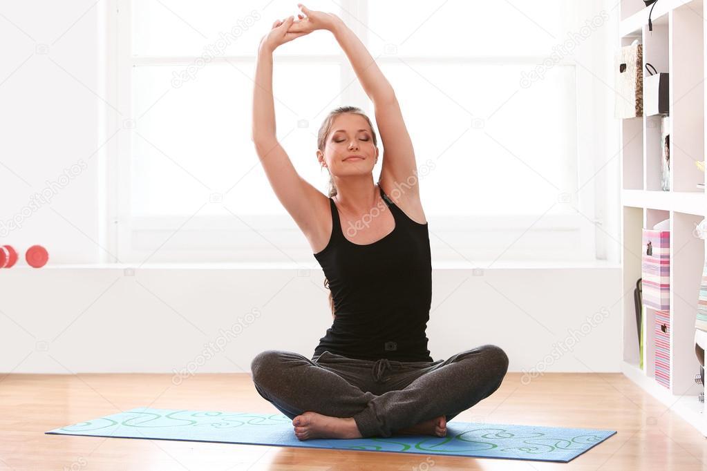 Йога для в домашних условиях в картинках 5