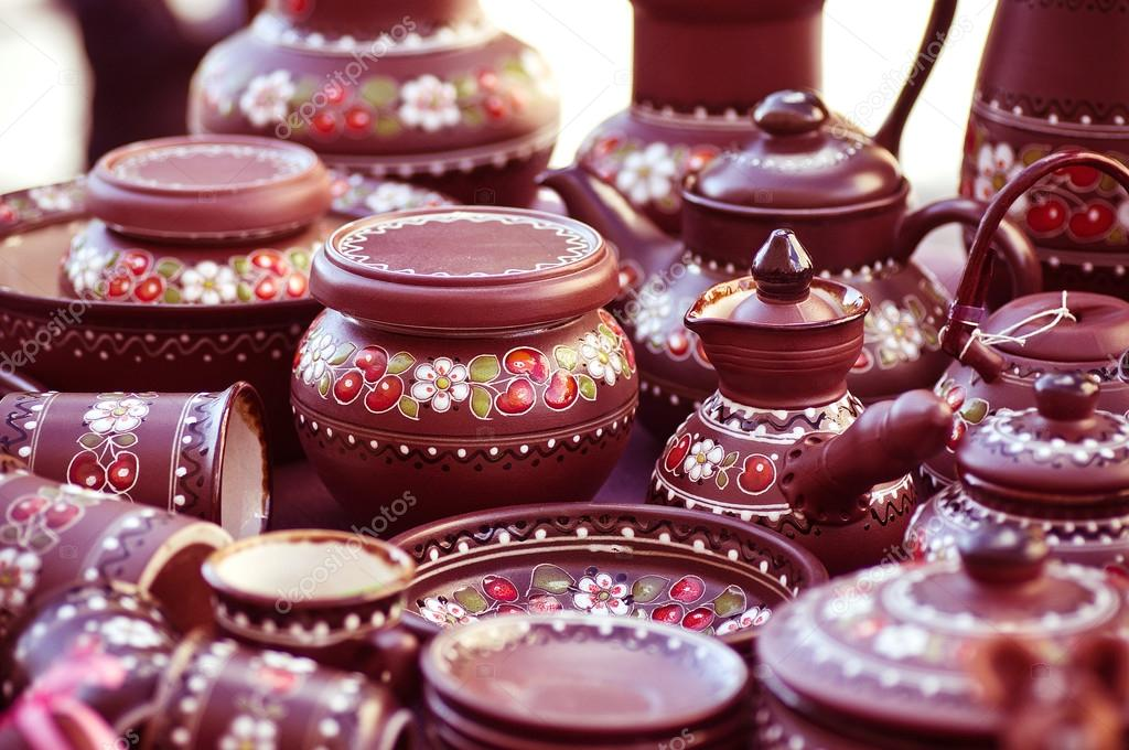 Traditional Russian Pottery on the Market \u2014 Stock Photo & Traditional Russian Pottery on the Market \u2014 Stock Photo © Forewer ...