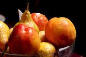 chutná Čerstvá jablka a hrušky