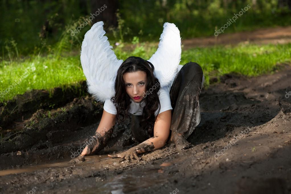 Картинка ангел в грязи