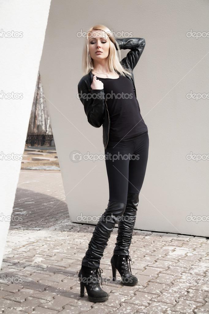 Девки в черной одежде фото 93-272