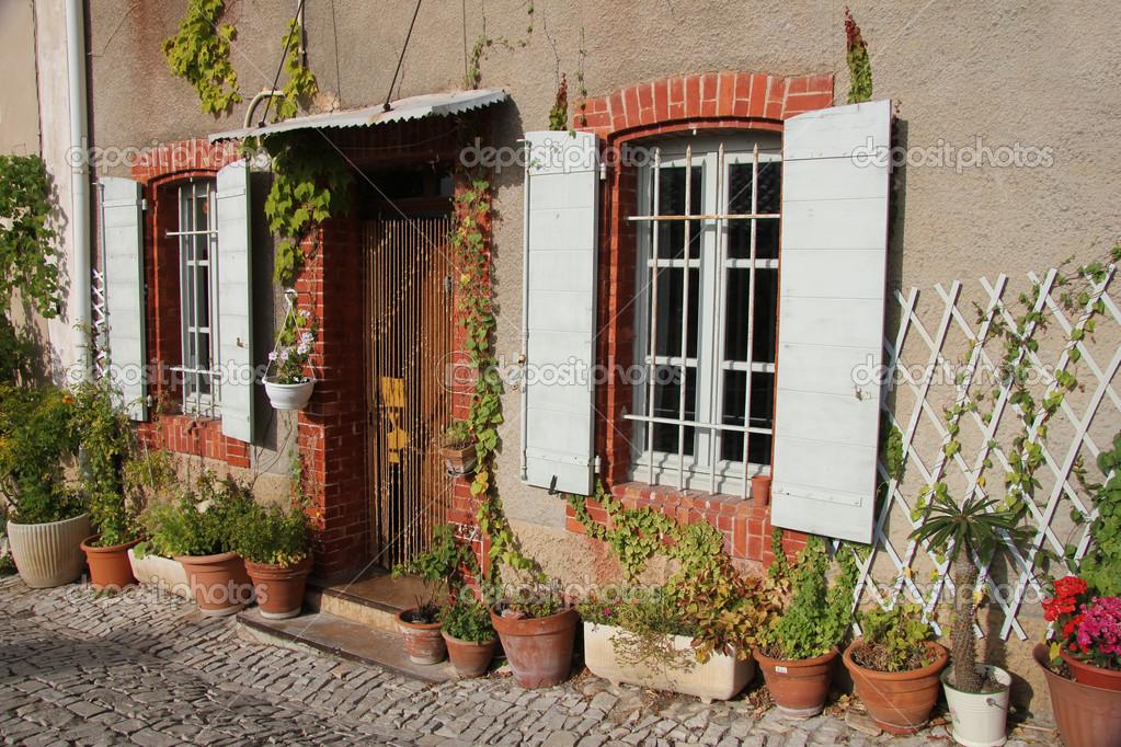 Casa in provenza foto stock portosabbia 12851985 - Casas en la provenza ...
