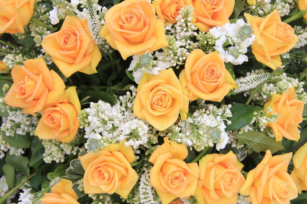 Matrimonio In Giallo E Bianco : Giallo bianco e rosa lilla matrimonio fiori comuni — foto