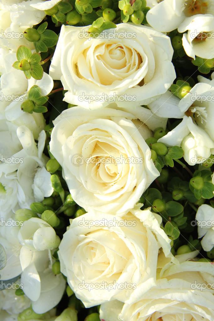 Weisse Hochzeitsblumen Stockfoto C Portosabbia 18391157
