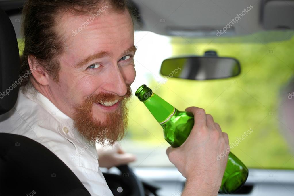 Пьяные девушки возбуждают себя бутылкой фото 450-69
