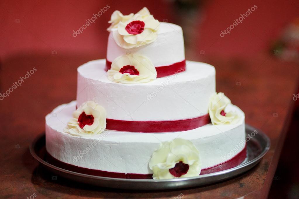 Hochzeitstorte Stockfoto C Nikuwka 13540144