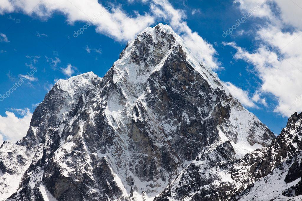 Mountain Cholatse and Tabuche Peak. Himalayas. Nepal
