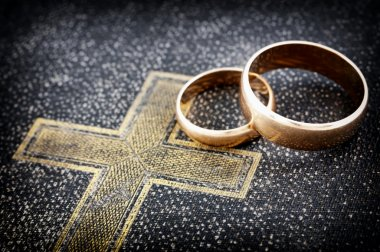 Marriage (macro photo)