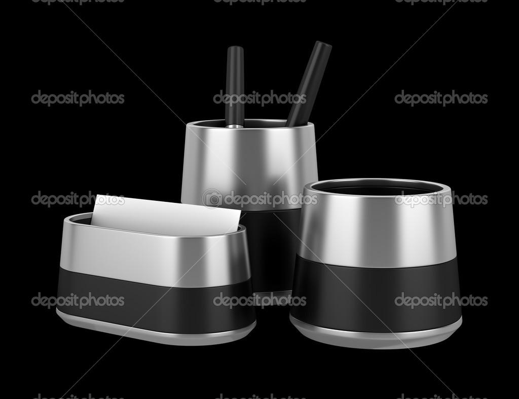 Accessori per scrivania ufficio isolati su sfondo nero u2014 foto stock